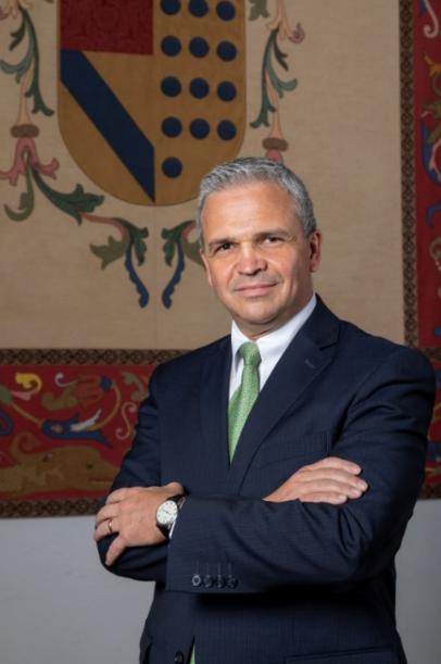 Lorenzo Fernandes IPADE Dean